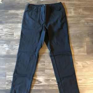 White House black market size 2 R ankle pants